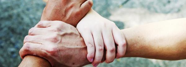 handen ineen