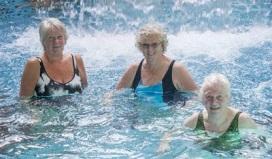samen zwemmen